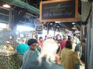 A quick view of the shops and the crowd on a Saturday morning at the 2nd Street market